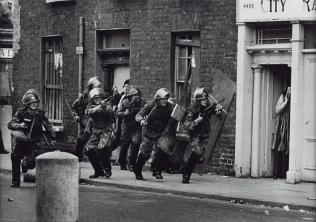Northern Ireland, Londonderry 1971, printed 2013 Don McCullin born 1935 ARTIST ROOMS Tate and National Galleries of Scotland. Purchased with the assistance of the ARTIST ROOMS Endowment, supported by the Henry Moore Foundation and Tate Members 2014 http://www.tate.org.uk/art/work/AR01194